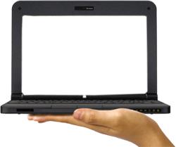 Laptop op hand